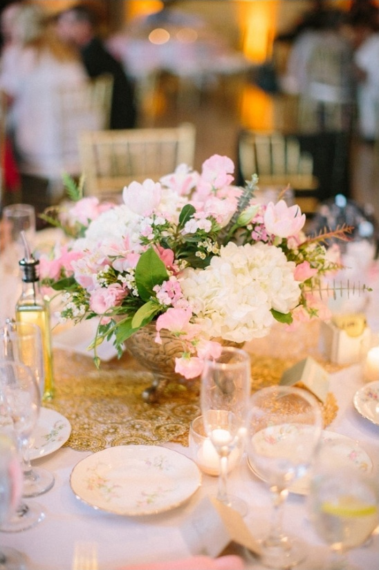 lower profile pink and white centerpiece