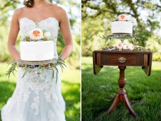 simple wedding cake table