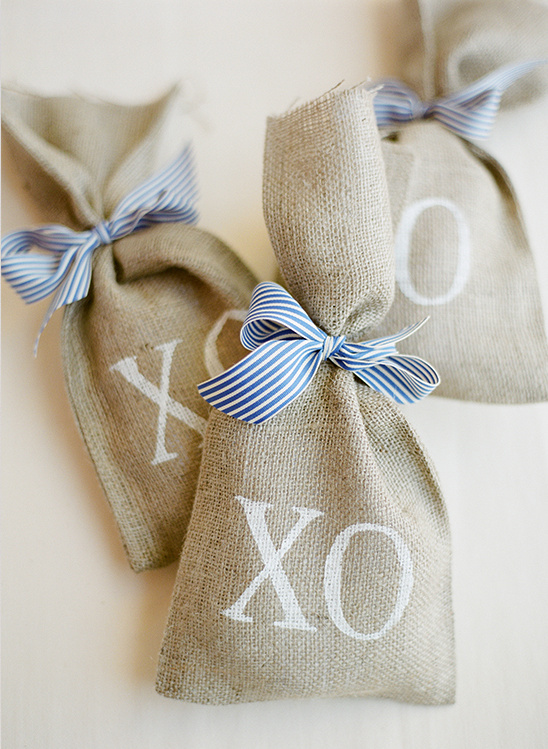 burlap wedding favor bags