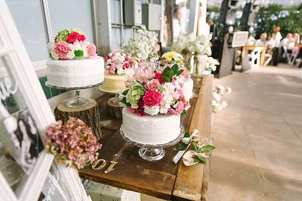 Tips And Tricks To Save Money With DIY Wedding