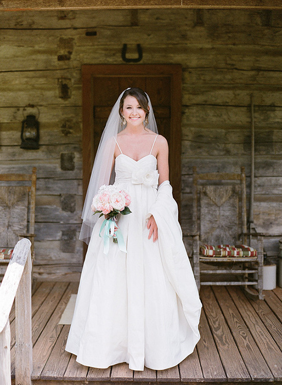 sweet classic bridal look