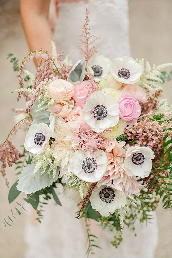 Laura Murray Photography cream and pink bouquet