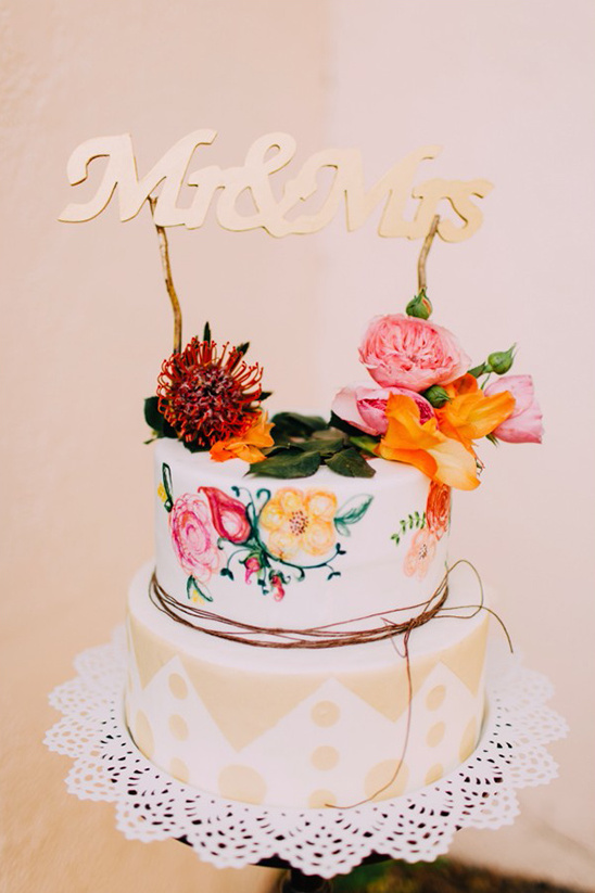 fun pattern wedding cake idea