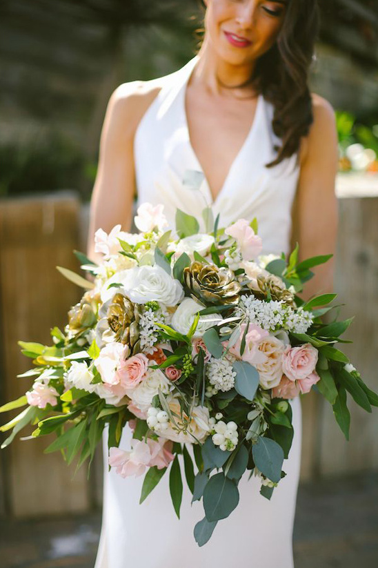 gold and white bouquet