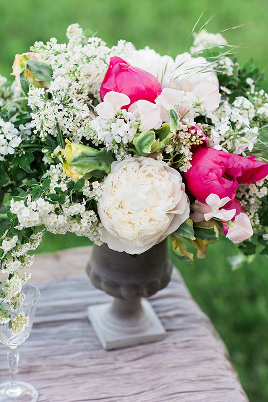 hot pink and white centerpiece