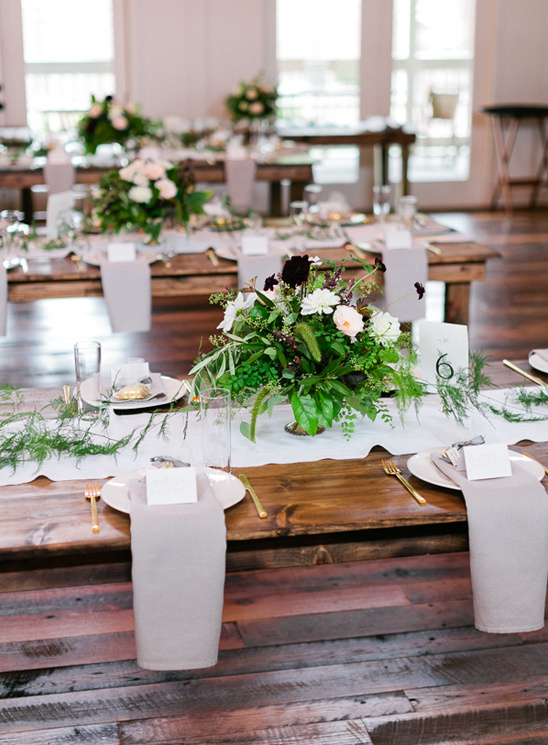 fresh green and white table decor