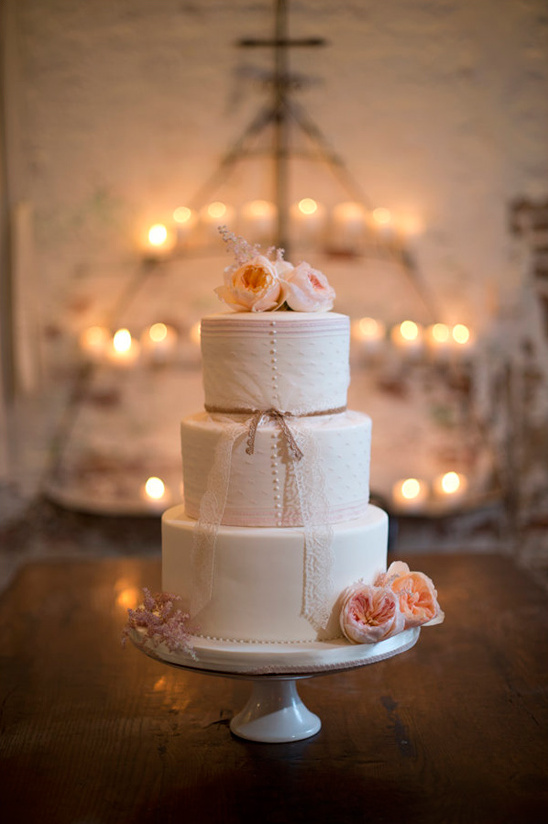 elegant wedding cake by Debbie Heyd