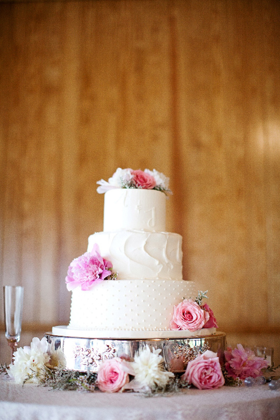 wedding cake by Maxie Bs Bakery
