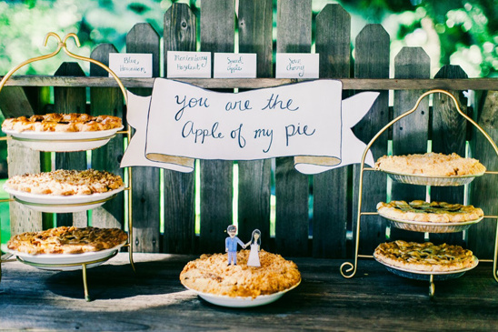 you are the apple of my pie table