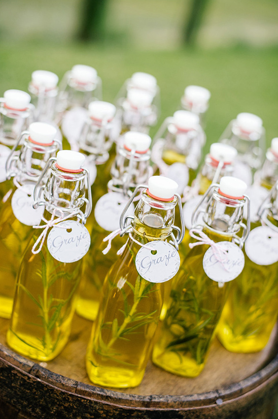 oil wedding favors
