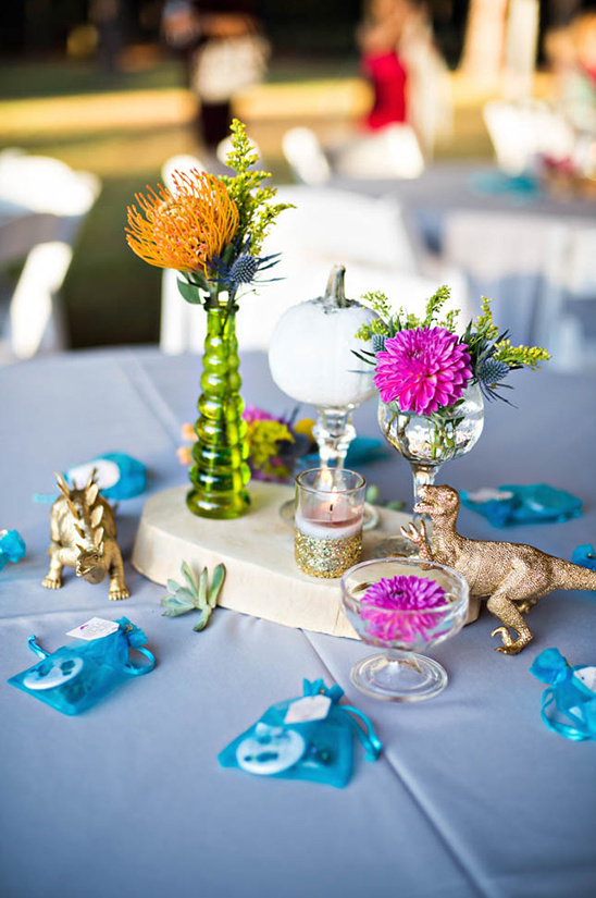 gold dinosaurs for table decor