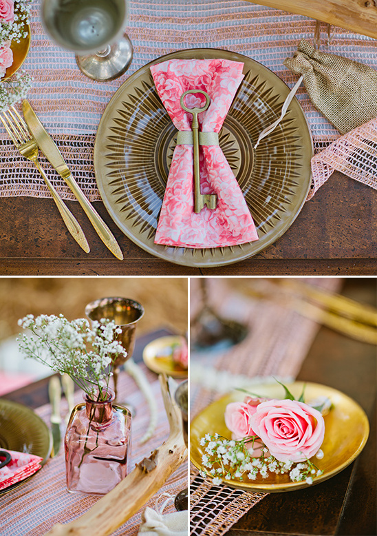 antique key wedding favor and pink and gold table decor