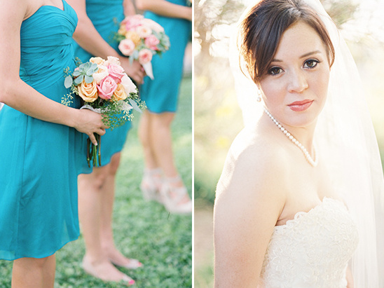 peach and pink bridesmaid bouquets