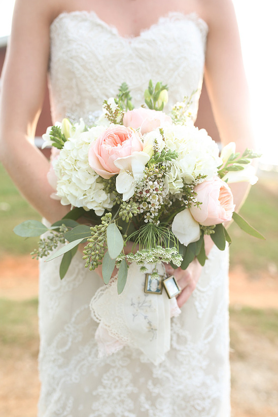 pink and white sunshine bouquet