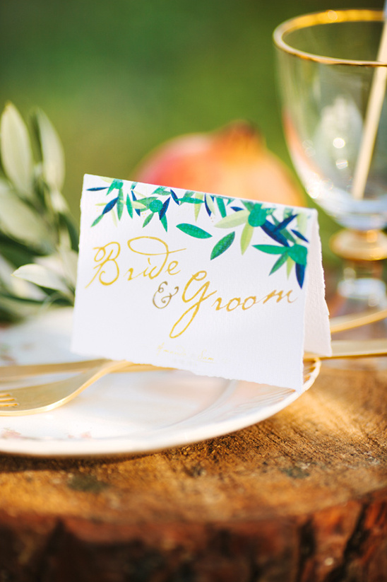 bride and groom escort card ideas
