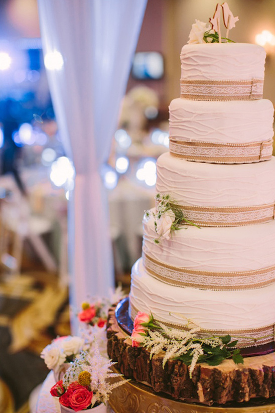 burlap and lace accented wedding cake
