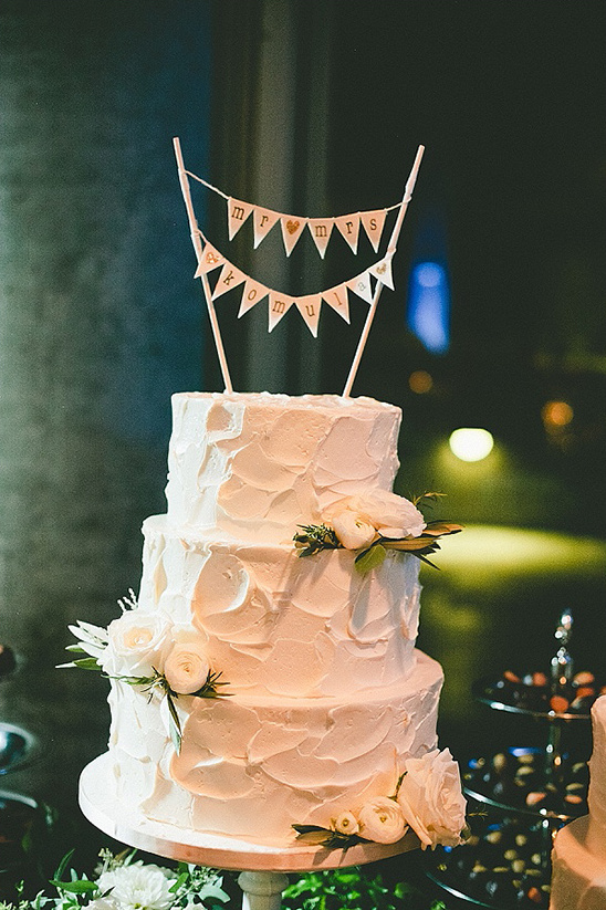 mr and mrs wedding cake bunting