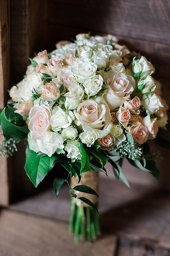peach and white rose bouquet