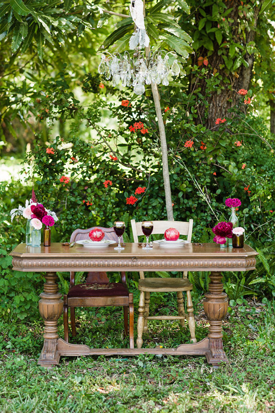 boho chic sweetheart table
