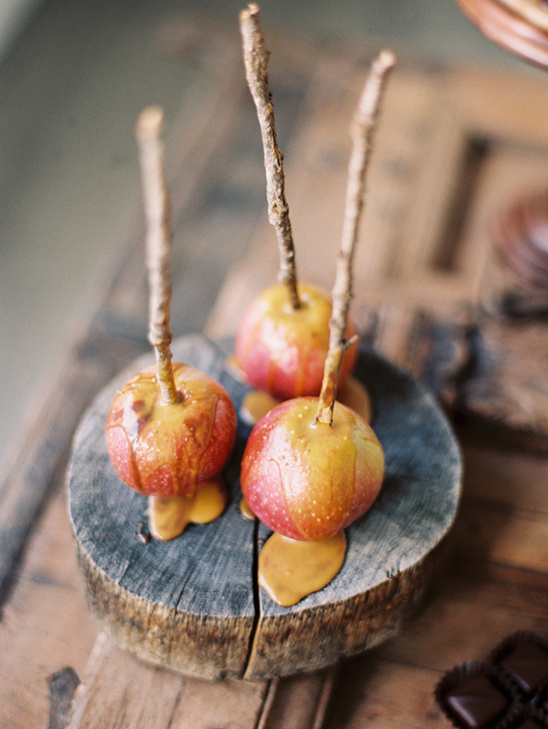 caramel apples for your wedding