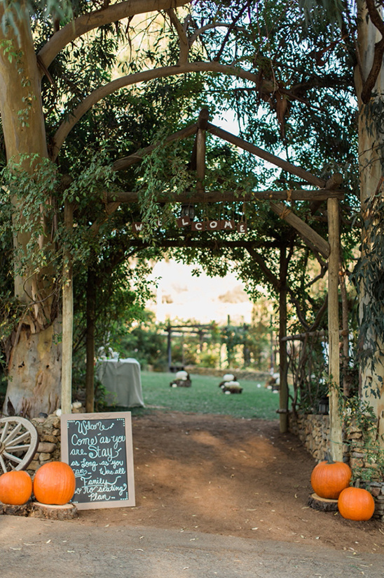 wedding welcome archway