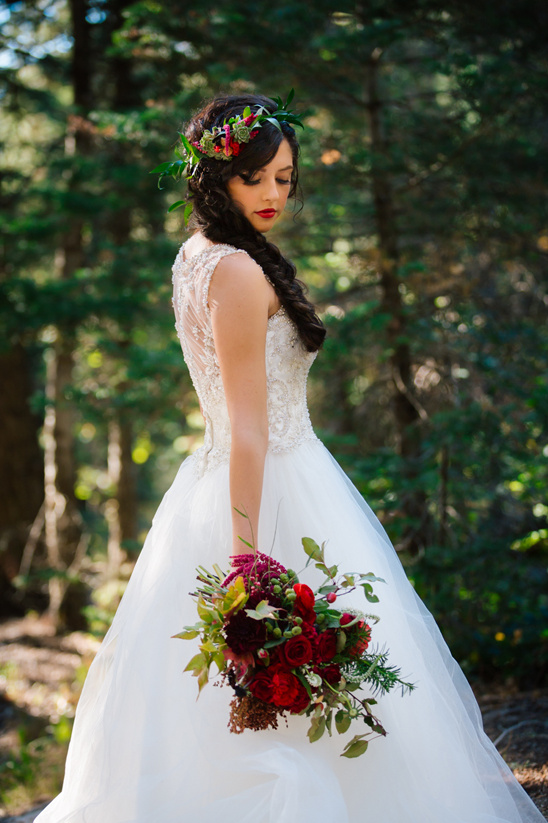 Snow white wedding ideas junglespirit Image collections