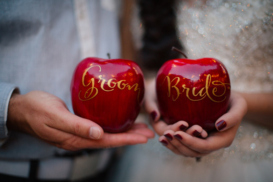 bride and groom apple escort cards