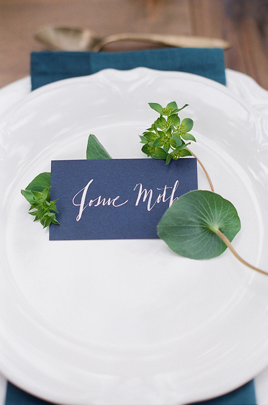 navy and gold placecards