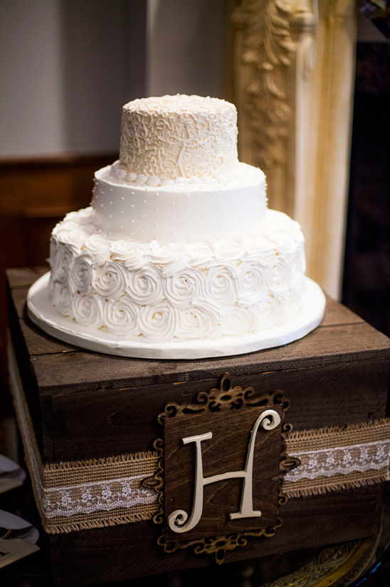 white and ivory wedding cake