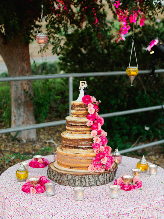 rose accesented naked cake