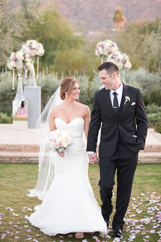 elegant pink, white and black wedding @weddingchicks