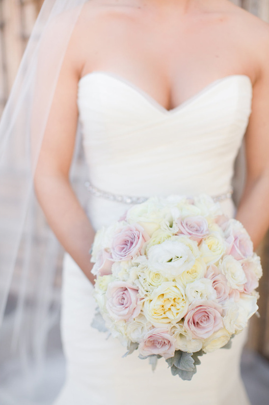 light pink and white bouquet @weddingchicks
