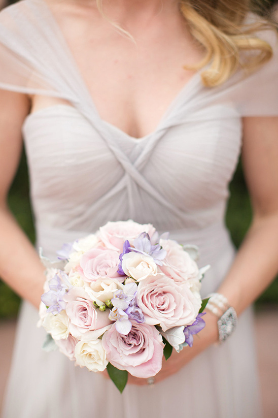 pastel bridesmaid bouquet @weddingchicks