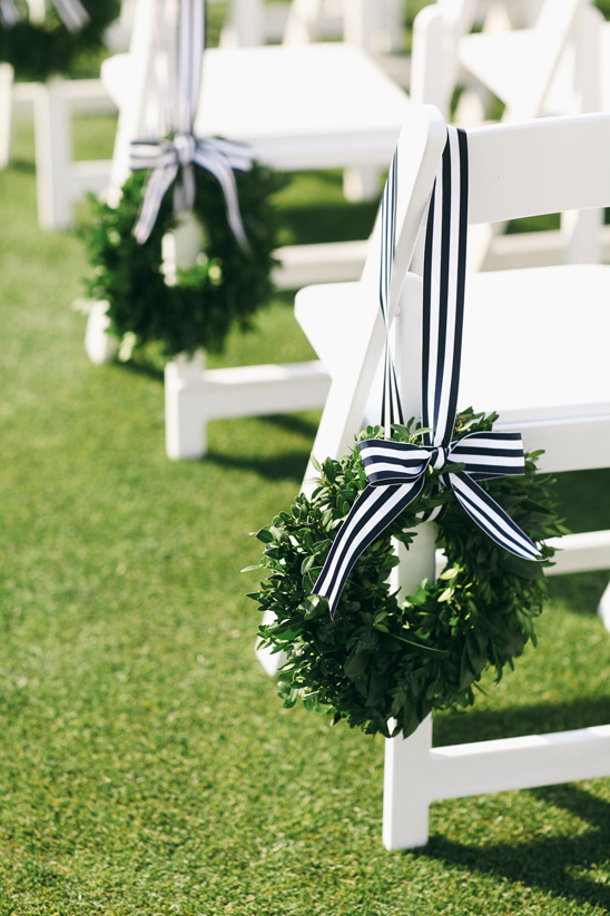 wedding aisle wreaths @weddingchicks