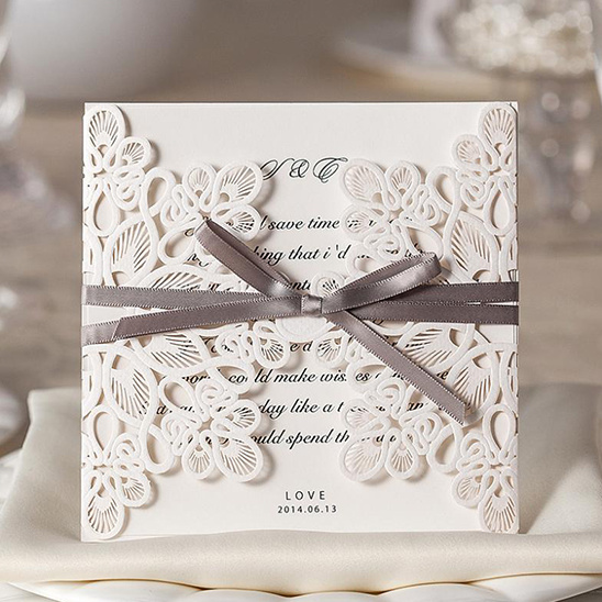 Vintage wedding invitation from B Wedding Invitations @weddingchicks