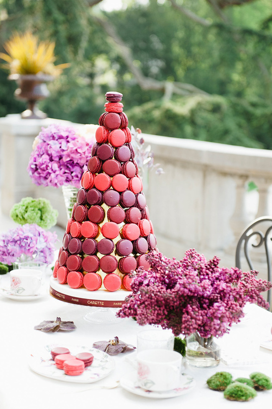 macaron tower @weddingchicks