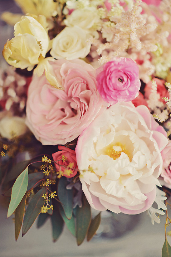 romantic wedding flowers @weddingchicks