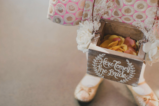 flower girl basket @@weddingchicks