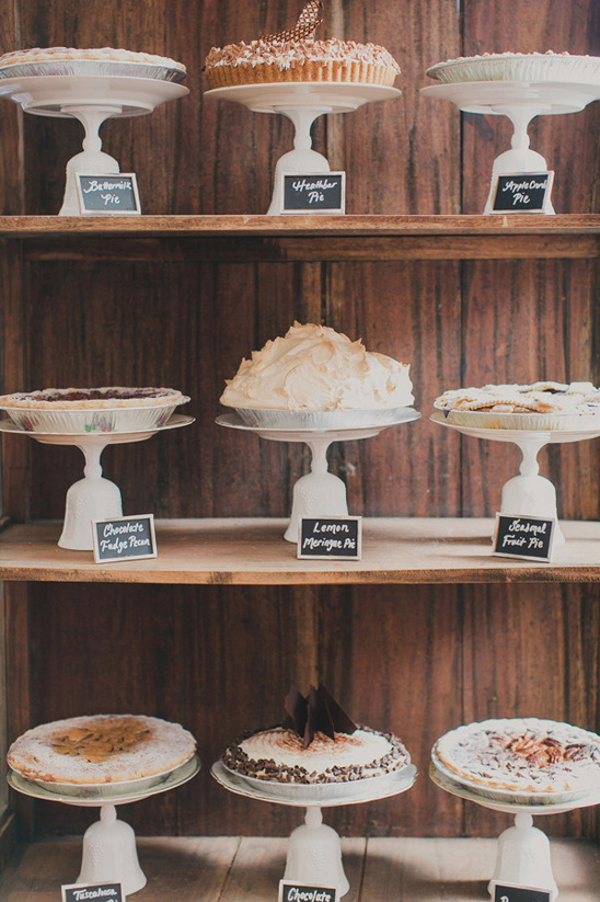 wedding pie bar @weddingchicks