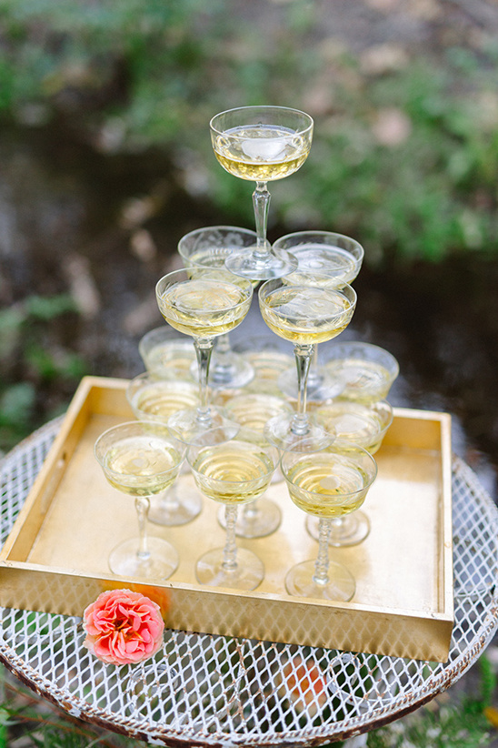 champagne glass tower @weddingchicks