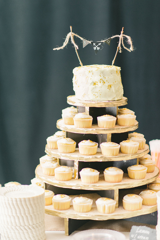 weddding cake and cupcake tower @weddingchicks