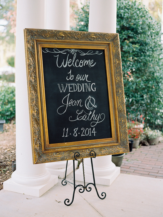 framed wedding sign @weddingchicks