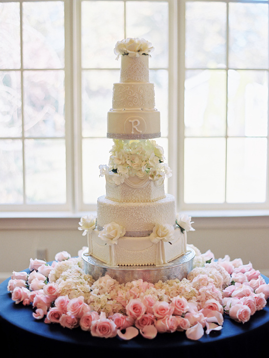 glamorous rose accented wedding cake @weddingchicks