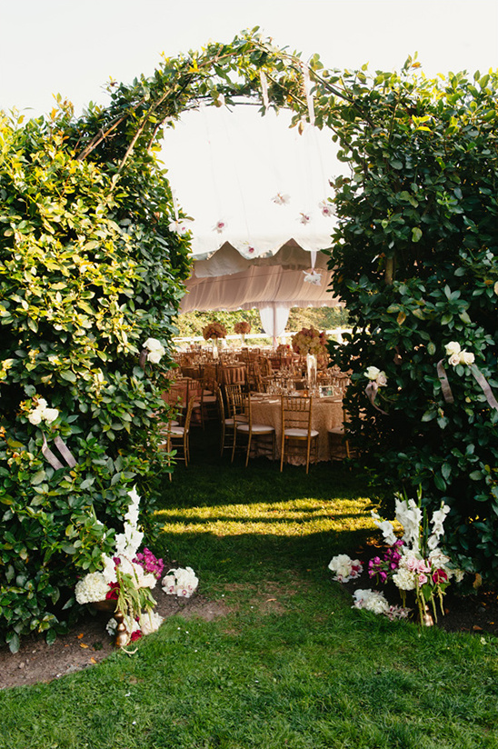 flower and greenery archway @weddingchicks