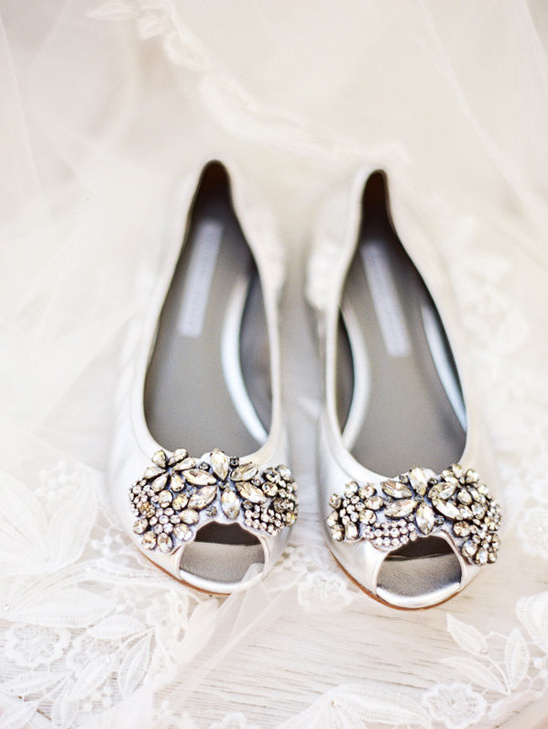 peep toe wedding flats @weddingchicks