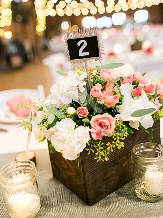 flower box table number and centerpiece @weddingchicks