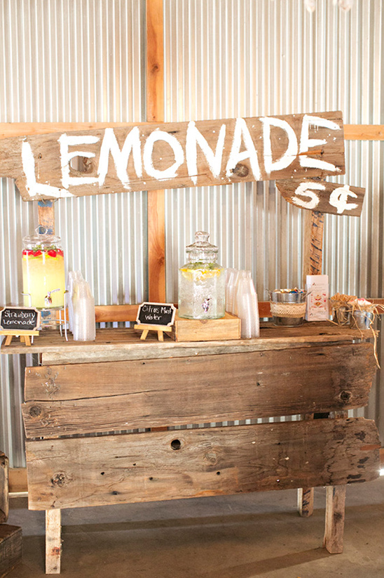 cute lemonade stand at wedding @weddingchicks