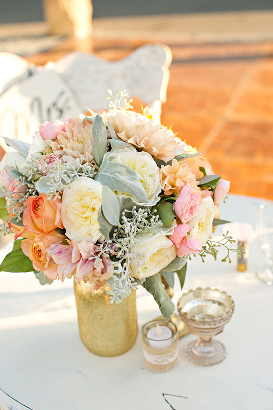 bouquet as centerpiece @weddingchicks