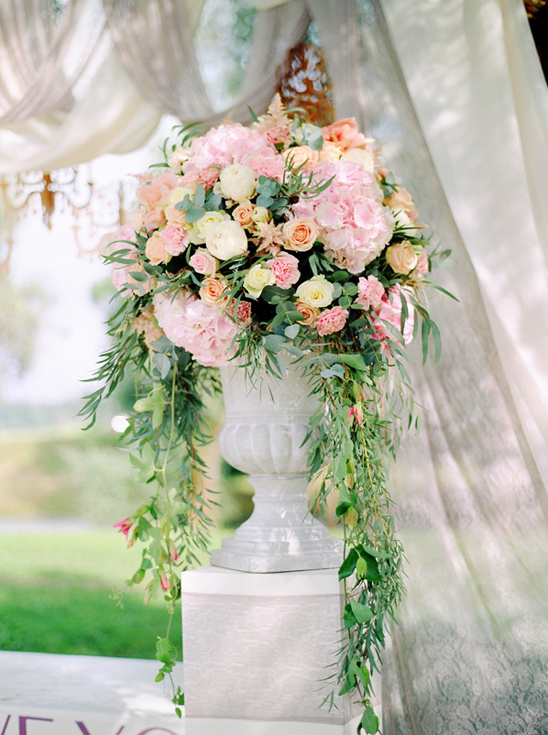 cascading pedistal floral arrangement @weddingchicks
