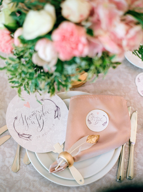 monogrammed menu and coaster @weddingchicks